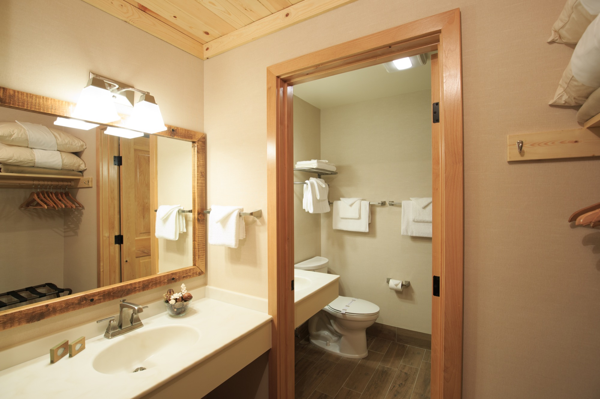 Mount Hermon Lakeside Bathroom 1