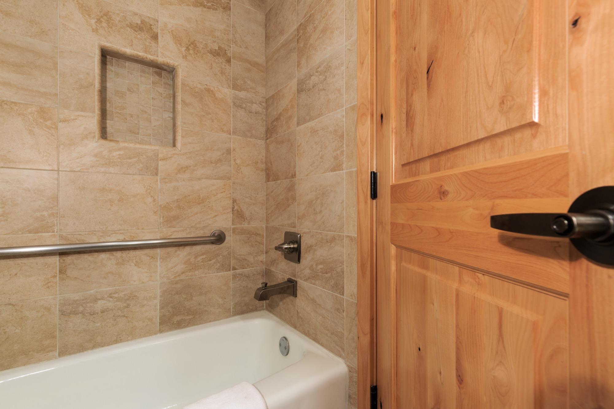 Mount Hermon Lakeside Bathroom 2